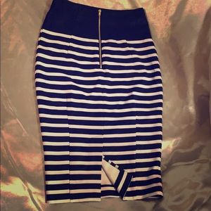 H&M navy striped pencil skirt! Size 4!